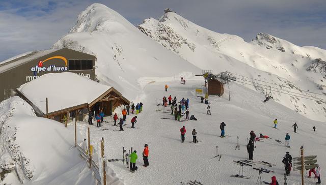 Alpe dHuez Les Marmottes 11 02
